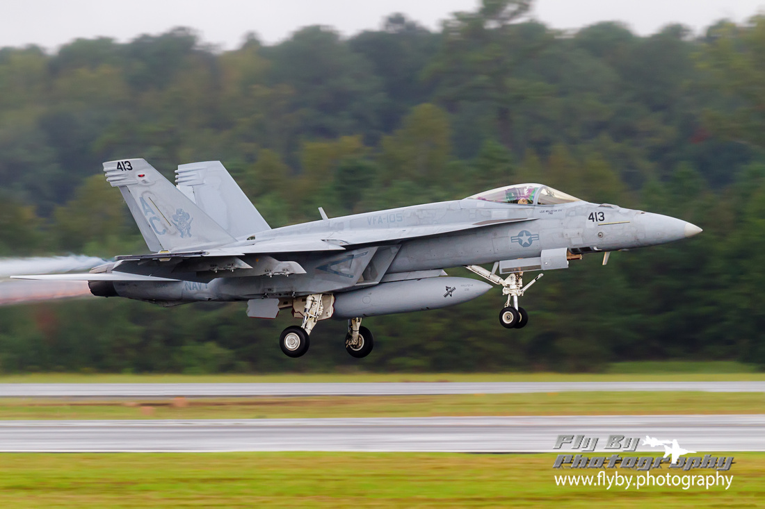 "An F-18E Super Hornet of VFA-105 Gunfighters ""Canyon"" lifts off smartly from NAS Oceana.<"