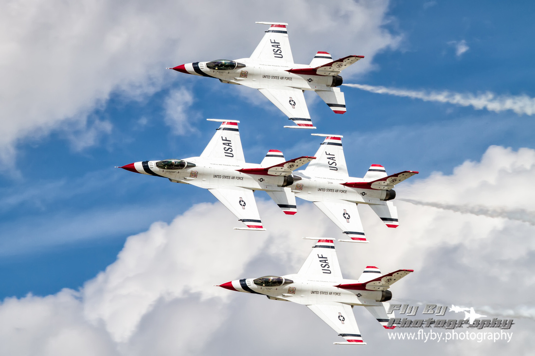The USAF Thunderbirds Flight Demonstration Squadron for 2011.